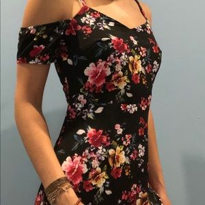 Open shoulder floral night dress
